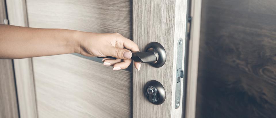 Villa Çelik Kapısı Seçerken Nelere Dikkat Edilmeli ? | Mehmet Mimaroğlu